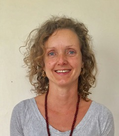 Leonie Dunlop Yoga Teacher